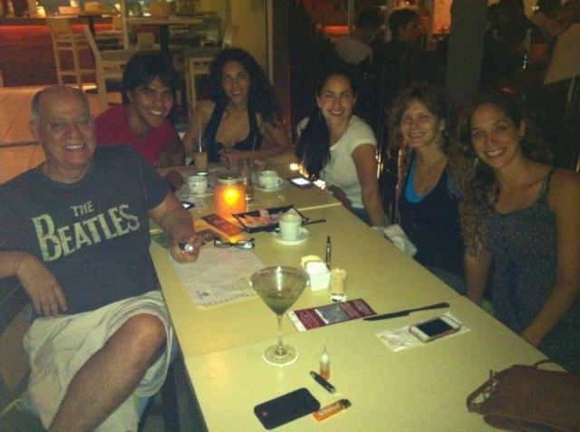 El padrasto de Barbara, Ernesto Masso, Lucia Masso, Barbara Mori, Rosário Ochoa y más familiares