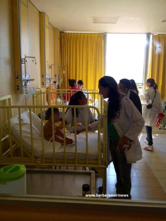 Barbara Mori en el Hospital del Niño 2