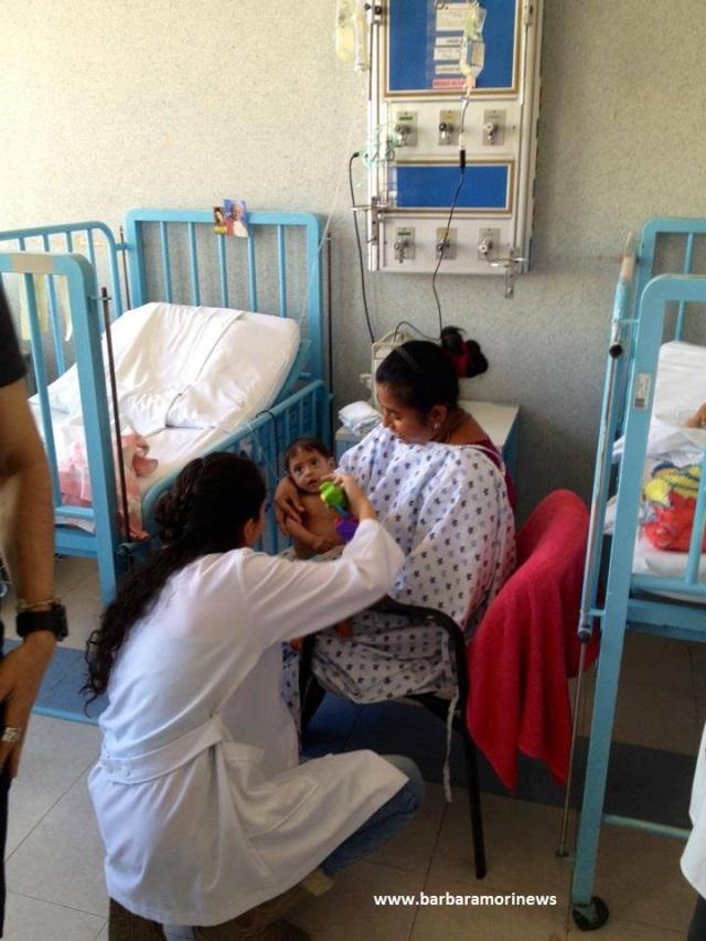 Barbara Mori en el Hospital del Niño